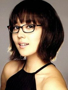 Matching Cute Hairstyle for Women with Glasses
