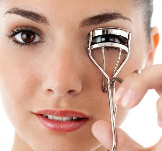 how to get your eyelashes to curl
